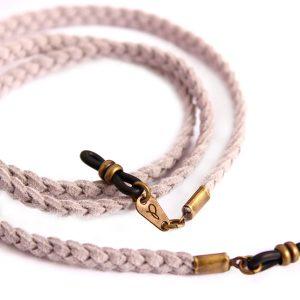 Detalle del cordón cuelga gafas Pompeya